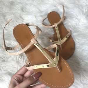 Nude/gold sandals
